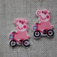 Кабашон Пеппа розовая на велосипеде №18