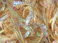 Пайетки на нитке , желтые (перламутр)