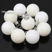 Новогодние шарики белые