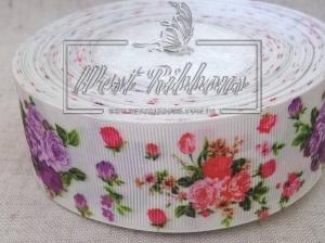 Репс 4 см красно-фиолетовые розы на молочном