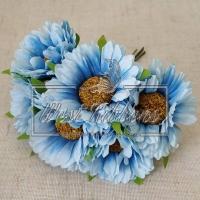 Букет хризантем, голубые