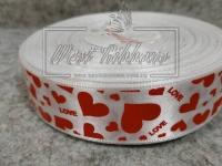 """Атлас 2.5 см """" Love сердечка"""", красные на белом"""