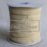 Лента велюр -мягкая 1 см, темно-молочная