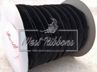 Лента велюр -мягкая 1 см, черная